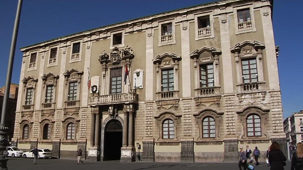 Convenzione tra Comune di Catania e Airbnb per la riscossione dell ...